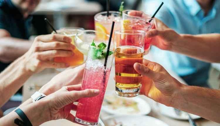 Alunos de Medicina abusam do �lcool, diz estudo